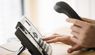 What should we do if the key person in charge cannot be contacted by the foreign trade telephone?